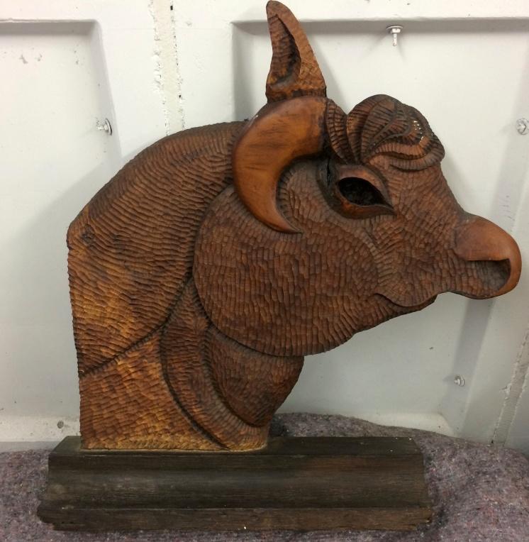 bull's head, elm 1989